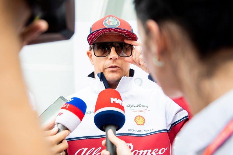 F1 | 「もう年だね。スポーツよりお酒の方が安全だ」。ライコネンが肉離れ、万が一に備えエリクソンがスタンバイ