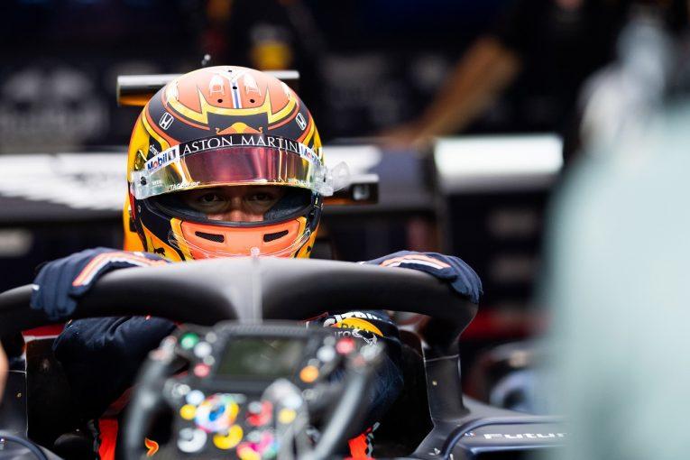 F1 | レッドブルF1代表、アルボンの初日に大満足「適応力が高く頭がいい。初走行にもかかわらず非常に良い仕事をした」