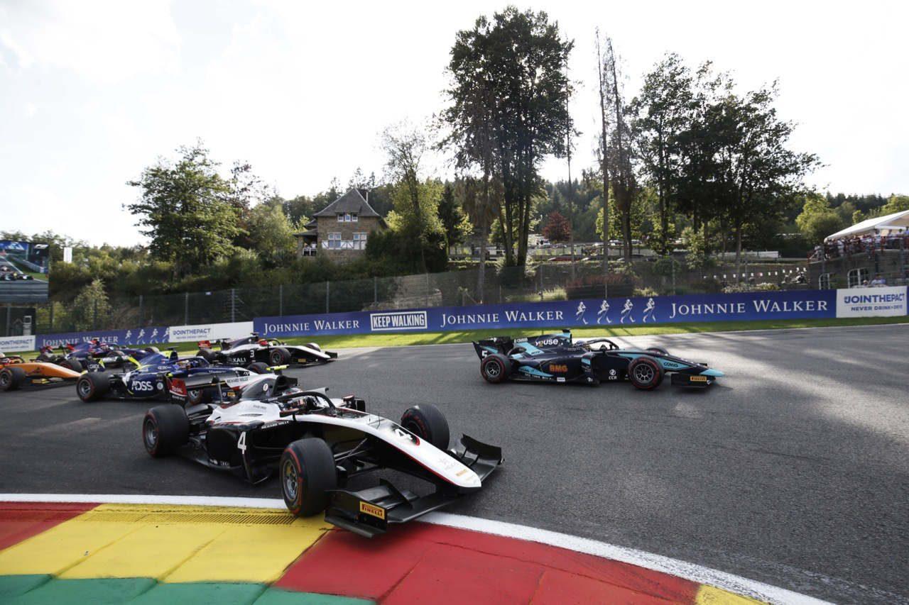 FIA-F2第9戦ベルギー レース1:凍り付いたスパ、大クラッシュにより2周目でレース終了。