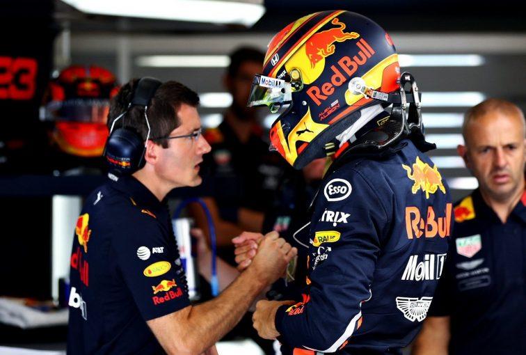 F1 | アルボン、暫定グリッドは18番手「移籍後初レースの目標は、確実に完走してポイントを稼ぐこと」:レッドブル・ホンダF1