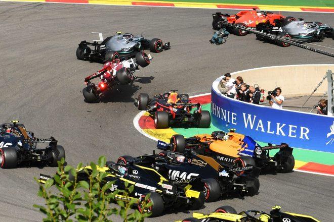 2019年F1第13戦ベルギーGP日曜 マックス・フェルスタッペン(レッドブル・ホンダ)とキミ・ライコネン(アルファロメオ)のクラッシュ