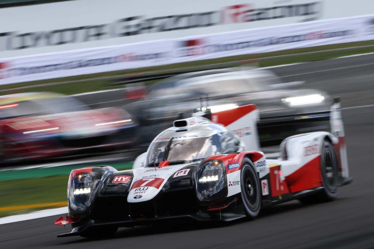WEC:トヨタ、TS050最後のシーズン開幕戦で1-2フィニッシュ。「ドライバーたちは難コンディションでも冷静だった」