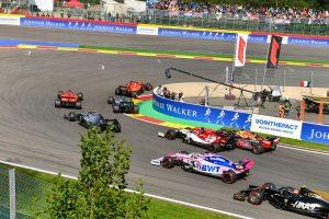 F1 | 元F1王者ロズベルグ、1周目リタイアのフェルスタッペンに苦言。「あまりにも攻撃的で昔の彼に戻ったようだ」