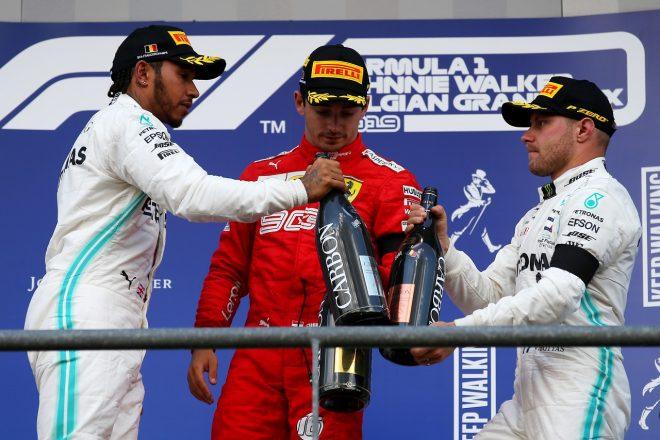 2019年F1第13戦ベルギーGP 表彰台のシャルル・ルクレール(フェラーリ)、ルイス・ハミルトン(メルセデス)、バルテリ・ボッタス(メルセデス)