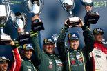 GTE Amクラス2位となったアストンマーティン・レーシングのダレン・ターナー、ポール・ダラ・ラナ、ロス・ガン組