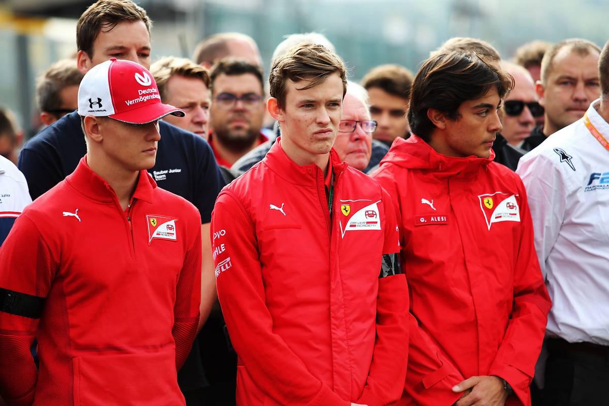 2019年F1第13戦ベルギーGP 決勝レース前にアントワーヌ・ユベールへの黙祷を捧げる