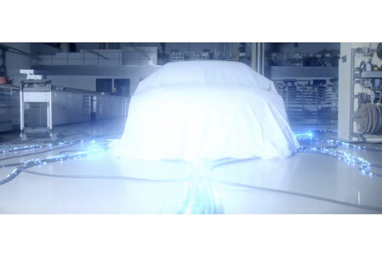 ヒュンダイ初のEVツーリングカー、ガブリエル・タルキーニ出演のティーザーを公開