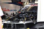 BMW M4 DTMのエンジンルーム内