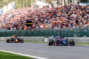 F1 | 「ベルギーでのアルボンは過大評価されている」クビアト、レッドブルに移籍した元僚友への称賛に同調せず