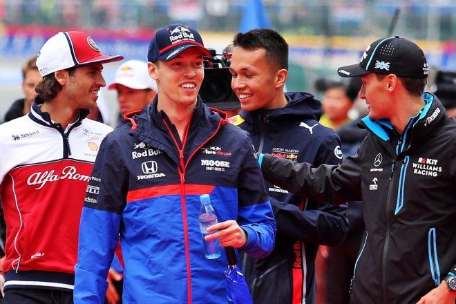 2019年F1第13戦ベルギーGP日曜 ダニール・クビアト(トロロッソ・ホンダ)とアレクサンダー・アルボン(レッドブル・ホンダ)