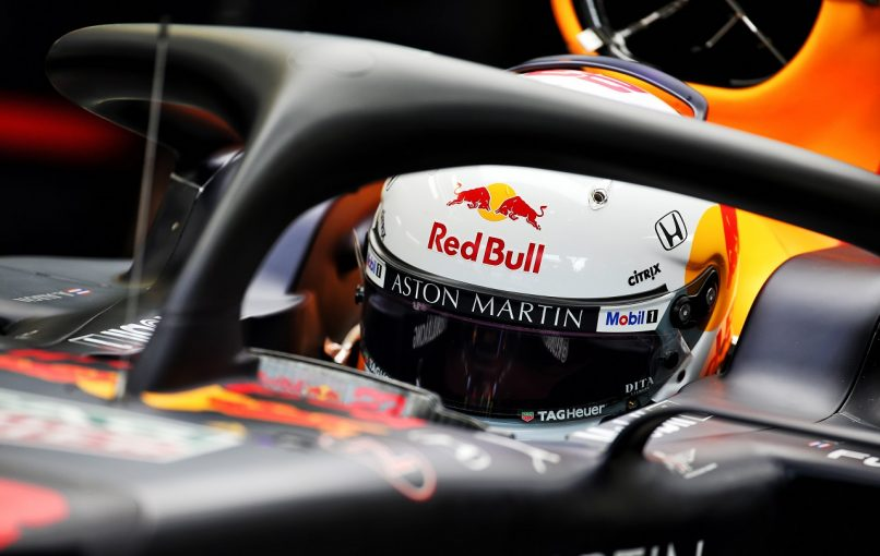 F1 | レッドブル・ホンダF1のアルボン「低ダウンフォース仕様に慣れることが重要」。アライヘルメットのテストも実施:イタリア金曜