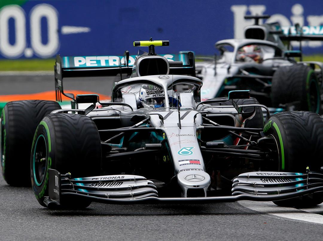2019年F1第14戦イタリアGP金曜 バルテリ・ボッタスとルイス・ハミルトン(メルセデス)