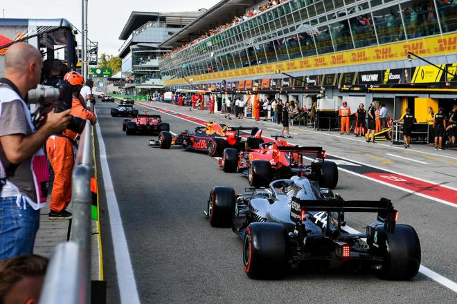 2019年F1第14戦イタリアGP予選、各チームがいっせいにコースイン