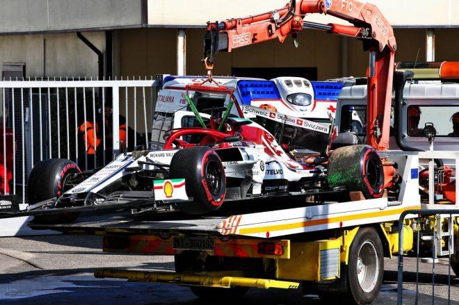 2019年F1第14戦イタリアGP キミ・ライコネン(アルファロメオ)は予選Q3でクラッシュ