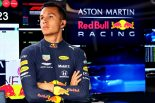 F1 | アルボン、混乱の予選Q3でノータイム「戦略とはいえこれほどのリスクを冒すべきではなかった」:レッドブル・ホンダF1