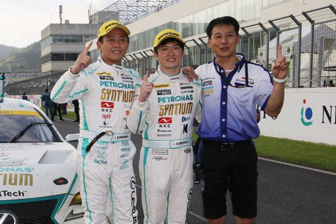 吉本大樹、宮田莉朋、飯田章監督(SYNTIUM LMcorsa RC F GT3)