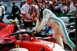 2019年F1第14戦イタリアGP シャルル・ルクレールの優勝を祝福するルイス・ハミルトン