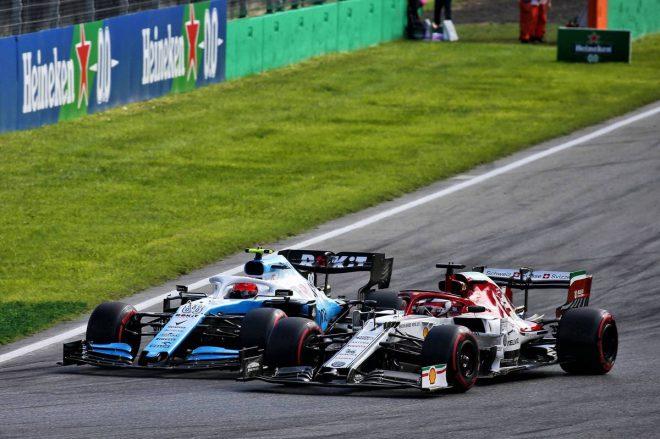 2019年F1第14戦イタリアGP ロバート・クビサとキミ・ライコネンのバトル