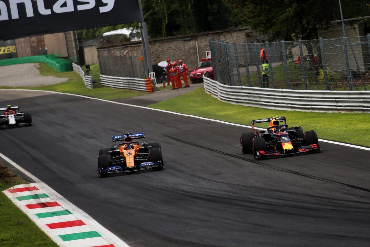 2019年F1イタリアGPでのサインツJr.とアルボン