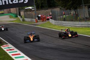 F1 | F1イタリアGPで激しい競り合いを見せたサインツJr.とアルボン、接触への遺恨なし