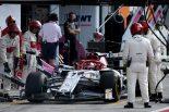 F1 | 「この25年のなかで最悪の失敗」。アルファロメオF1のボス、ライコネン車のタイヤ装着ミスを嘆く