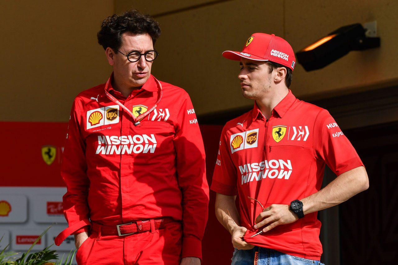 シャルル・ルクレールとフェラーリ代表マッティア・ビノット