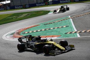 F1   ルノーF1、パフォーマンス改善のための巨額の投資で2018年は赤字に
