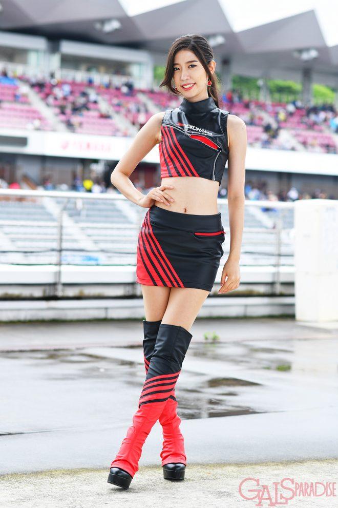 レースクイーン   鳴村なか(YOKOHAMA promotional models)