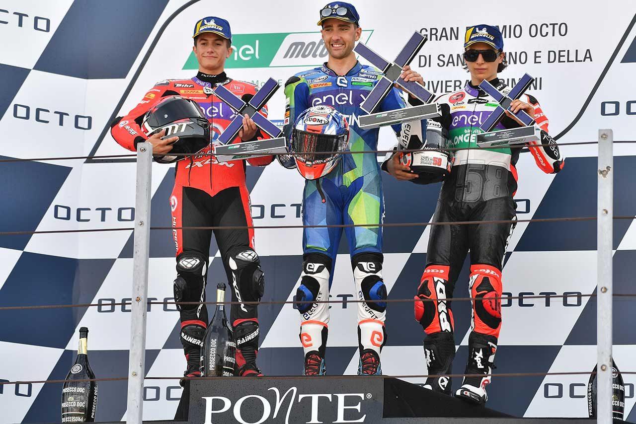 MotoE第3戦サンマリノGP:クラッシュ多発、大接戦が展開されるなか、フェラーリが2レースで勝利