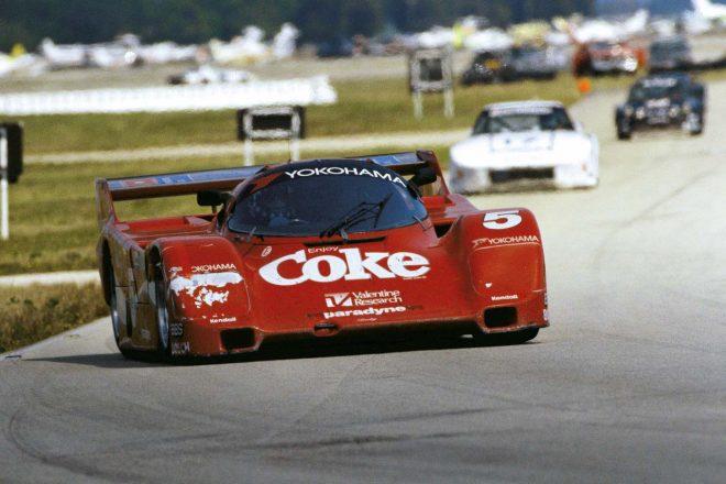 1986年のセブリング12時間を制したボブ・アキン・モーターレーシングのポルシェ965