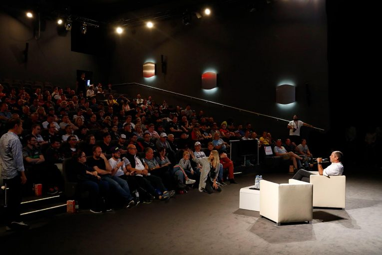 海外レース他 | DTMの未来へ意見交換。ゲルハルト・ベルガーがニュルでファンとの交流イベントを開催