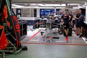 F1 | 2019年F1第15戦シンガポールGP木曜 レッドブル・ホンダのガレージ