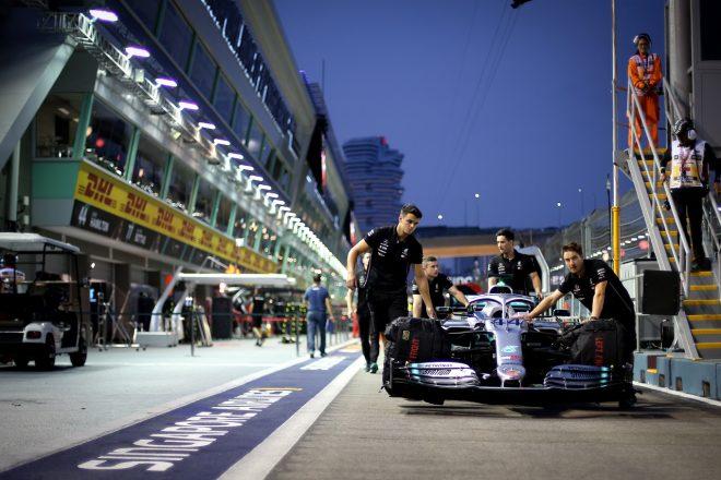 F1   ハミルトンが初日最速も、燃料規定の違反でメルセデスに罰金「一日違えば厳罰だった」とチーム:F1シンガポールGP