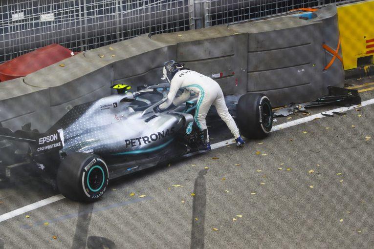 F1 | クラッシュのボッタス「マシンに何か問題がある。どうしても速さを発揮できなかった」:メルセデス F1シンガポールGP
