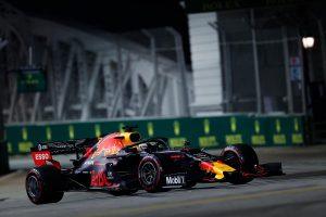 F1 | レッドブル・ホンダ密着:予想外だったフェラーリの速さ。期待された市街地コースでフロントロー争いに絡めず/F1シンガポールGP予選