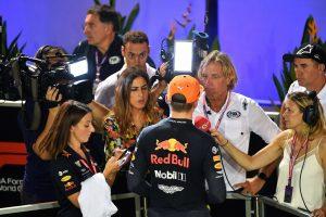 F1 | 2019年F1第15戦シンガポールGP 予選後、インタビューに応じるマックス・フェルスタッペン(レッドブル・ホンダ)