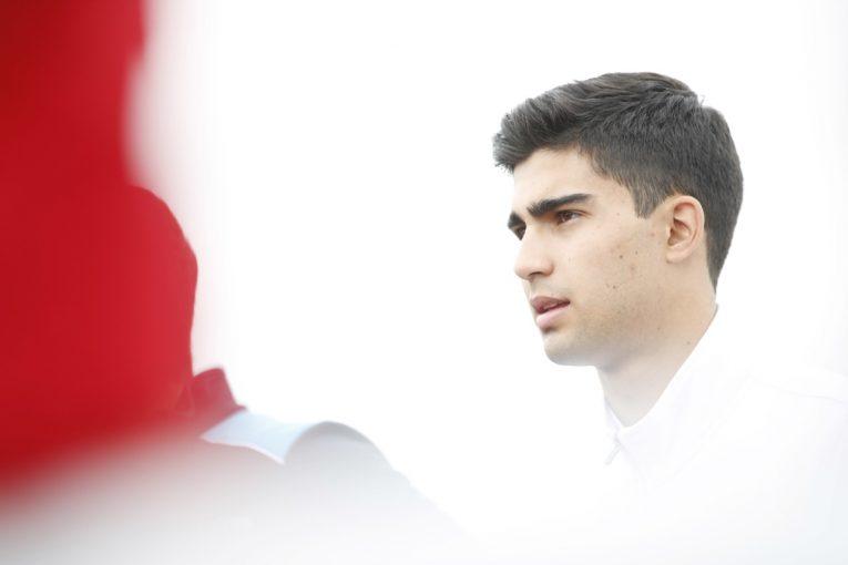 海外レース他 | FIA-F2:ファン-マヌエル・コレア、人工的な昏睡状態から抜け出し危篤を脱するも大手術に迫られる