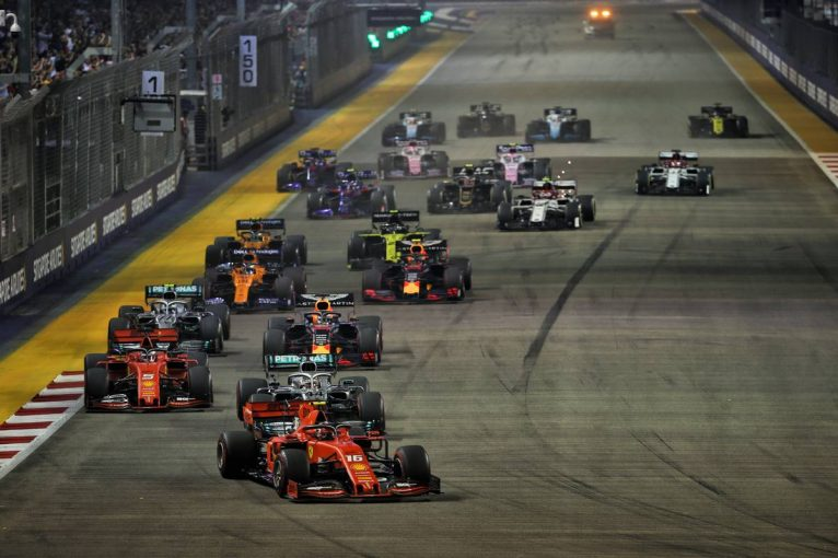 F1 | ベッテルが逆転勝利【順位結果】F1第15戦シンガポールGP決勝