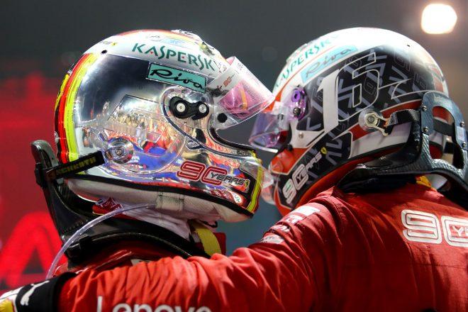 2019年F1第15戦シンガポールGP 優勝したセバスチャン・ベッテルを2位のシャルル・ルクレールが祝福