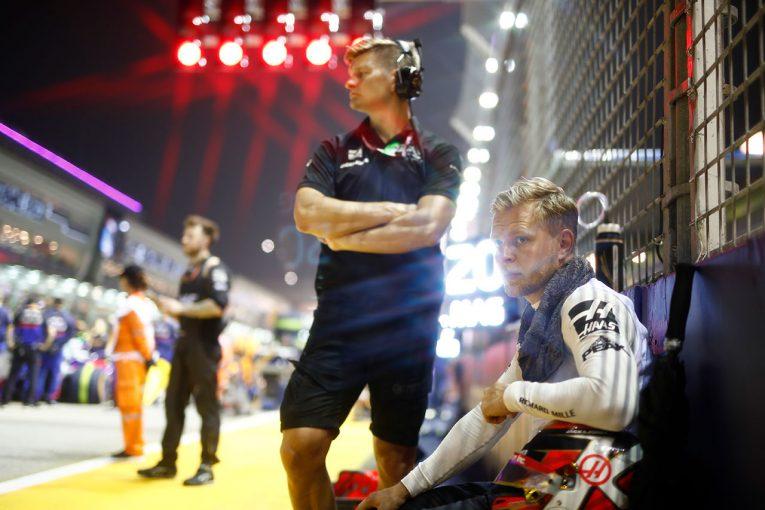F1 | マグヌッセン「セーフティカーが不利に働き、ウイングに袋が引っかかる不運も重なった」:ハース F1シンガポールGP日曜