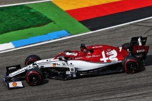 F1 | アルファロメオF1、控訴棄却でドイツGPのペナルティは撤回されず。ハミルトンとクビサがポイントを維持