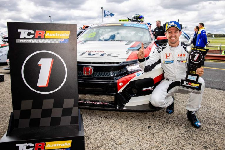 海外レース他   TCRオーストラリア第6戦:ワールドクラスの実力を証明した、ゲスト参戦ジロラミが3連勝