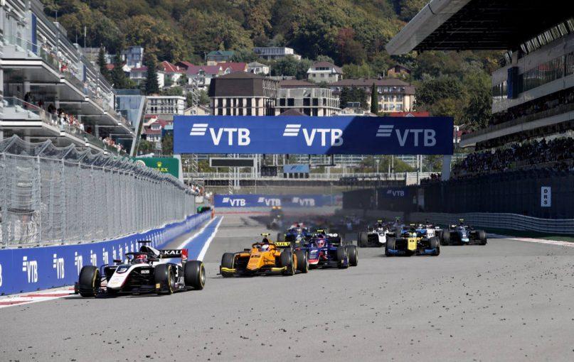 海外レース他 | FIA-F2第11戦ロシア レース2:ベルギーの悪夢よぎる大クラッシュ、巻き込まれた松下は病院へ。約50分の中断を経て優勝はギオット