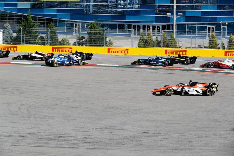 動画 | 【動画】松下信治とマゼピンが大クラッシュ。約50分の赤旗中断に/FIA-F2ロシア レース2