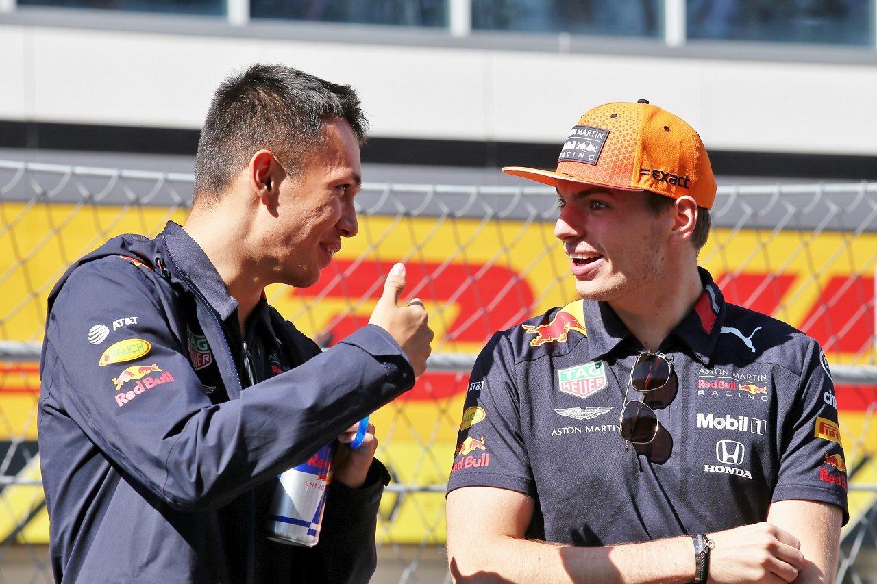 2019年F1第16戦ロシアGP アレクサンダー・アルボンとマックス・フェルスタッペン(レッドブル・ホンダ)