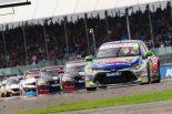 海外レース他 | BTCC第9戦:トヨタ・カローラが連勝。チャンピオンは5名が争う大混戦に
