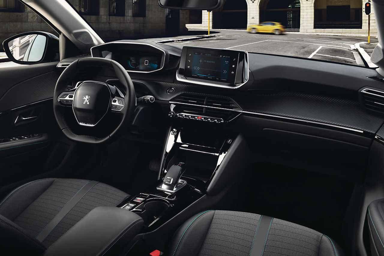 プジョーが六本木ヒルズでイベント開催。日本初公開の電気自動車『e-208』などを展示
