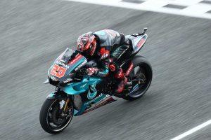 MotoGP | MotoGPタイGP:FP1の転倒で病院へ搬送されたマルケス、FP2に参加。初日は首位クアルタラロ含めヤマハが好調
