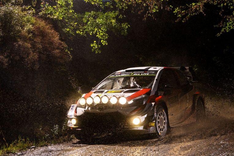 ラリー/WRC   WRC第12戦ラリーGB:ハリケーンの余波残る2日目、トヨタのタナクが首位浮上。ミークも総合3番手