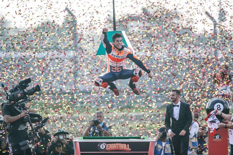 MotoGP | マルケスが最高峰クラス6度目のタイトルを獲得。クアルタラロとの優勝争いを制して栄冠に輝く/MotoGPタイGP